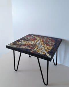 Table basse jaune violet en mosaïque